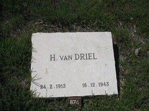 Gedenksteen Hendrik van Driel op de erebegraafplaats te Loenen